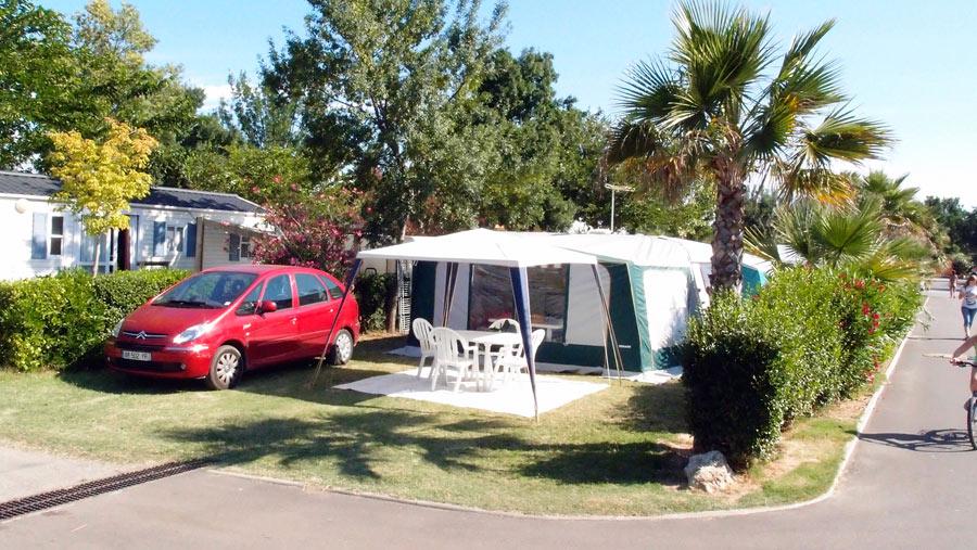 CAMPING LES MARSOUINS : Aires de camping-cars Argels-sur-Mer